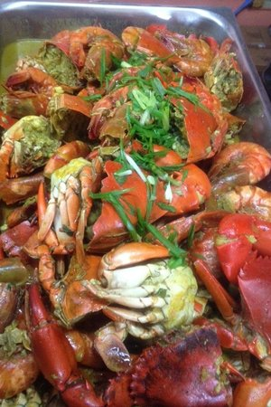 Glamour Resto N Caterer : THE BEST CRABS IN TOWN!!!