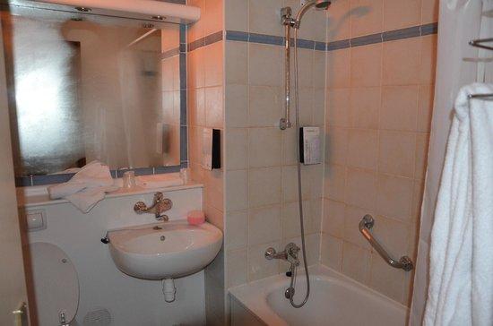 Campanile Amersfoort: Ванная