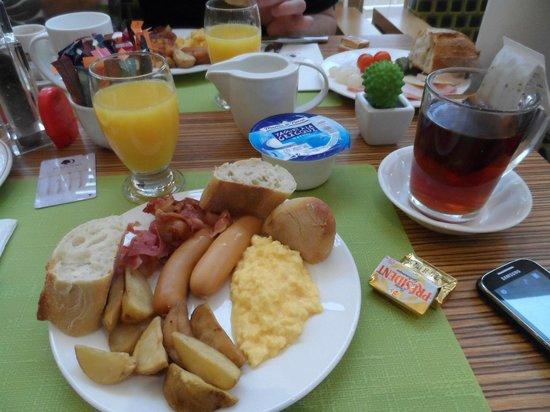 DoubleTree by Hilton Luxembourg: Breakfast