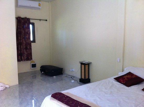 Phuket Airport 24/7 Hotel : Room