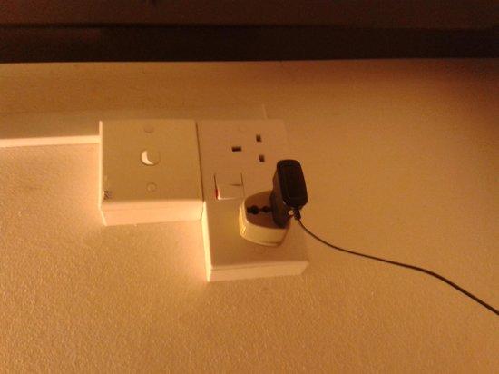 Plush Pods Hostel: electricity power