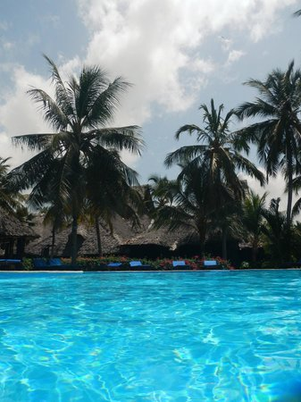 Breezes Beach Club & Spa, Zanzibar: Pool
