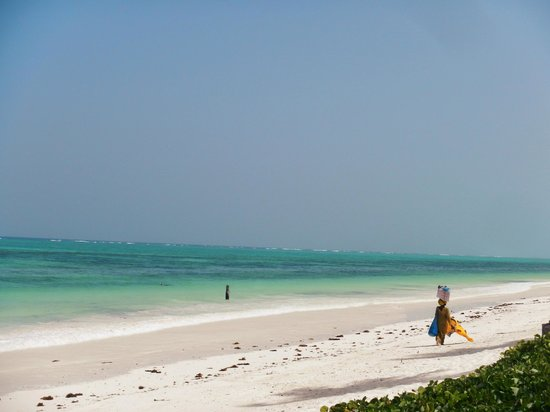 Breezes Beach Club & Spa, Zanzibar: Strand