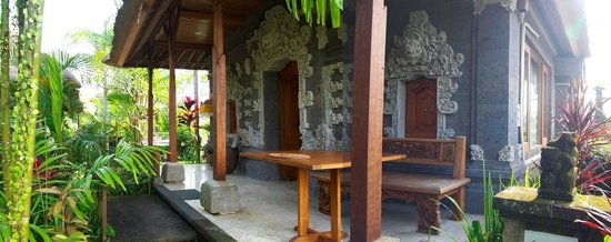 Villa Pranashanti : The front entrance to the room