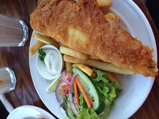 Stingrays Cafe & Takeaway : Butterfish with chips