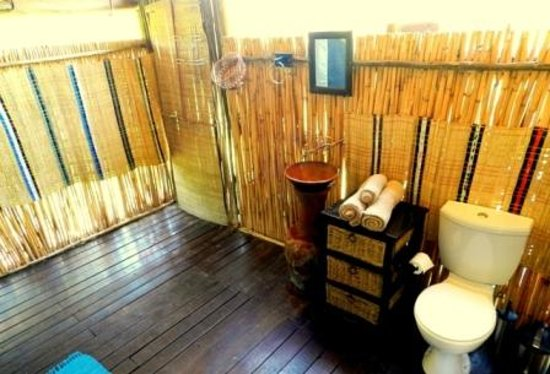 Shindzela Tented Camp: Bathroom