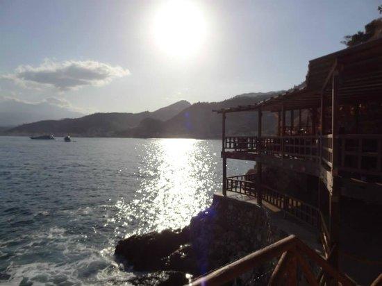 Atahotel Capotaormina: Restaurant de la piscine