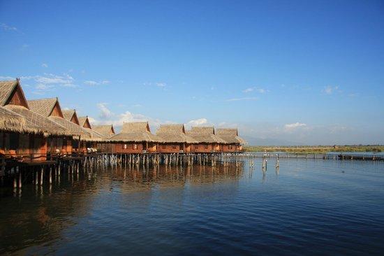Shwe Inn Tha Floating Resort : Room view