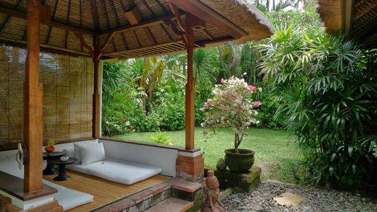 Tandjung Sari : 部屋のバレ