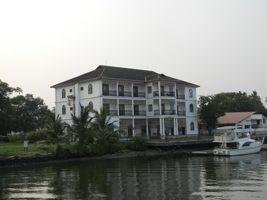Bolgatty Palace & Island Resort: View from the Boat of Marina Rooms