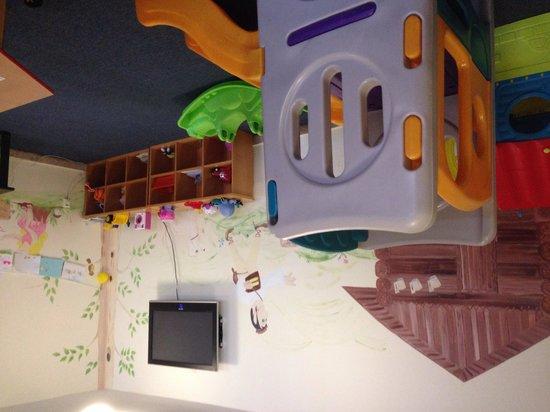 Sorea Maj Hotel: The children's play area