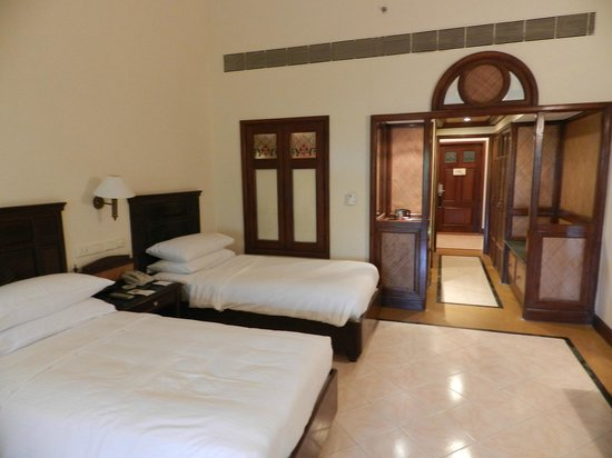 The LaLiT Golf & Spa Resort Goa: Entrance view of the room