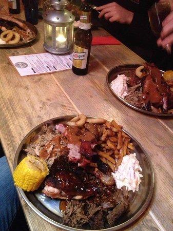 Backyard BBQ - Pit Smoked Meats Platter