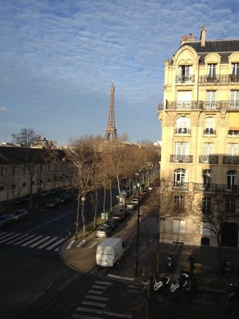 Hotel Duquesne Eiffel: view from room