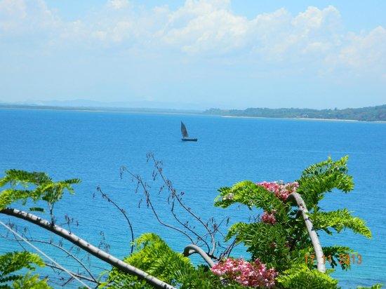 Tsara Komba Luxury Beach Forest Lodge: Views across to mainland Madagascar