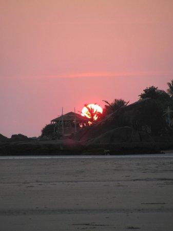 Wavelet Beach Resort: Sunset