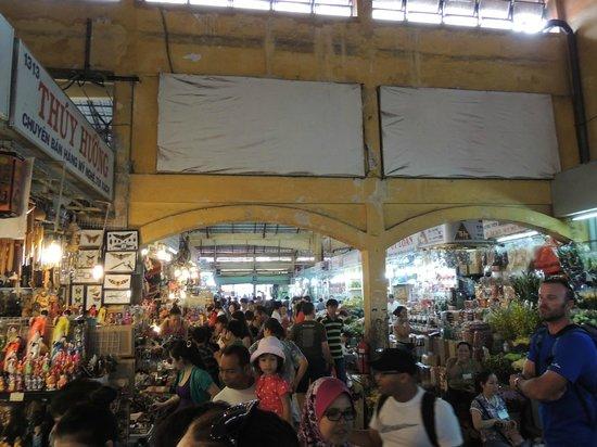 Huong Sen Hotel: Ben Thanh Market