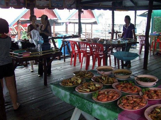 River Rovers: Another scrumptious floating restaurant