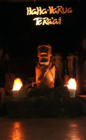 Te Ra'ai: The stage