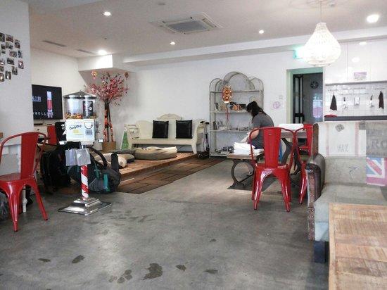 Central 65 Hostel: Lobby