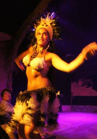 Te Ra'ai: My favorite female performer