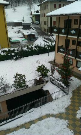 Albergo Dimaro: vista dal balcone