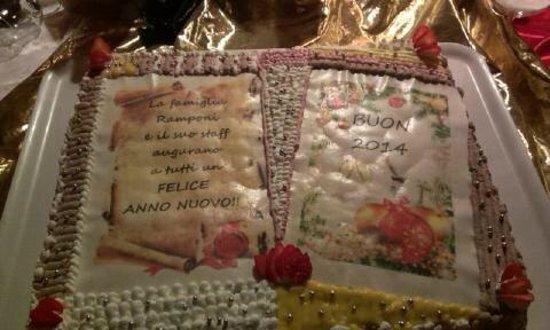 Albergo Dimaro: torta fine anno