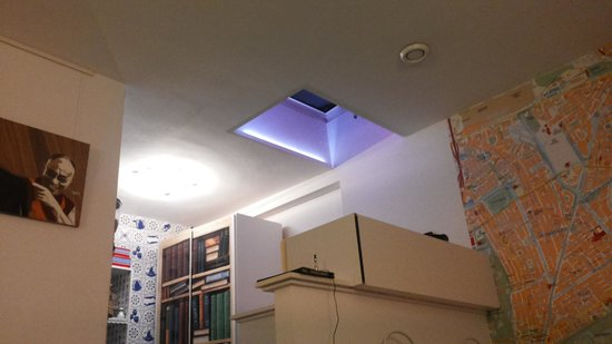 Ark16: l'oblò sul soffitto per arieggiare
