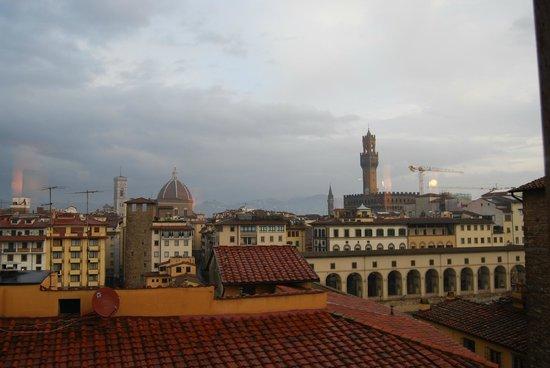 Pitti Palace al Ponte Vecchio : vistas desde el comedor