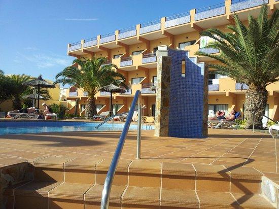 KN Matas Blancas : rooms and pools