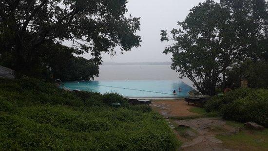Heritance Kandalama: the infinite pool