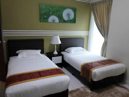 Bayu Marina Resort: Main Bed Room