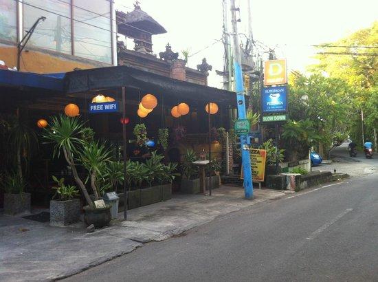 Superman Pizzaria ItalianRestaurant & Bar: Restaurant Street View