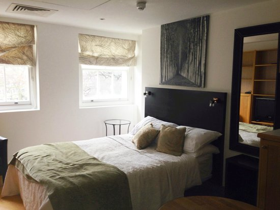 Studios2Let Serviced Apartments - Cartwright Gardens: our apartment