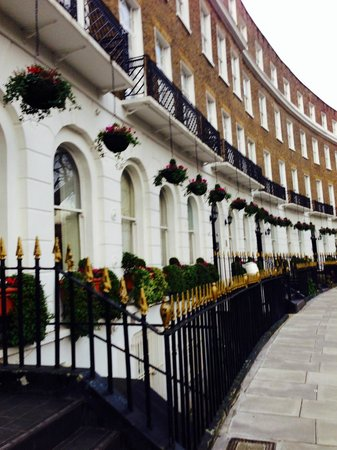Studios2Let Serviced Apartments - Cartwright Gardens: our amazing apartments from the outside (beautiful)