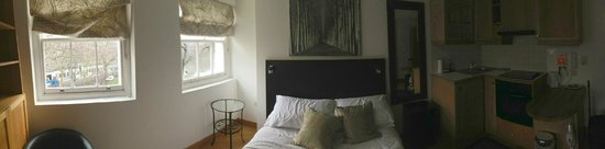 Studios2Let Serviced Apartments - Cartwright Gardens: bedroom panoramic
