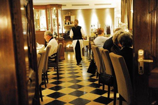 Wellings Romantik Hotel zur Linde: Restaurant - Kaminzimmer