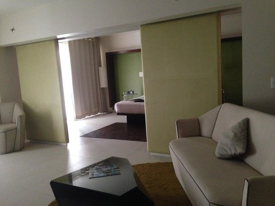 The Picasso Boutique Serviced Residences: Sofa