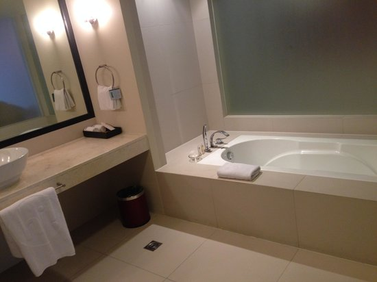 The Picasso Boutique Serviced Residences: Bathroom