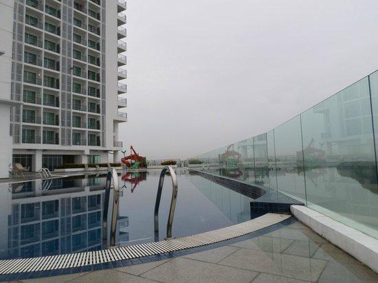 Bayu Marina Resort: Pool