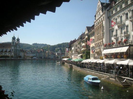 Lake Luzern : Vista desde el Kapelbrücke