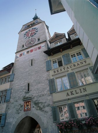 The 10 best restaurants in zug 2019 tripadvisor for Fischmart zug