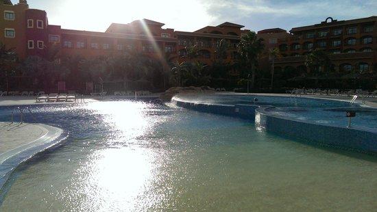 Sheraton Fuerteventura Beach, Golf & Spa Resort: Pool