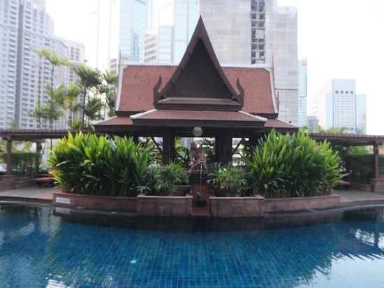 Plaza Athenee Bangkok, A Royal Meridien Hotel : プール
