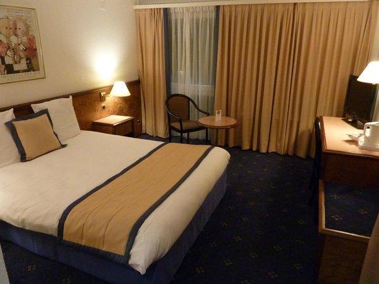 Mercure Plaza Biel: la chambre