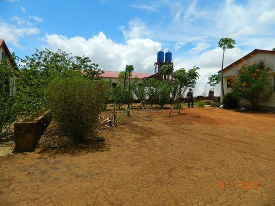 Le relais de l'ankarana: Hotel grounds