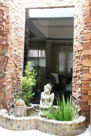 Polina Park Hotel: living room