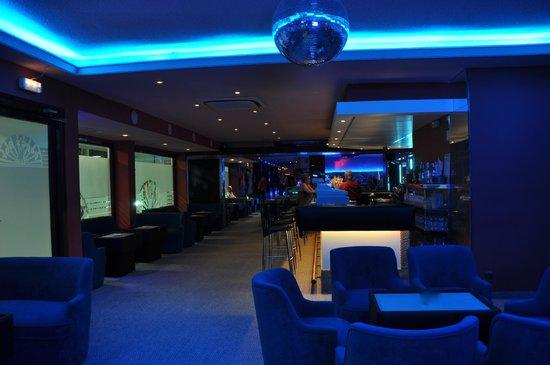 Cabaret club vip room sex - 5 5
