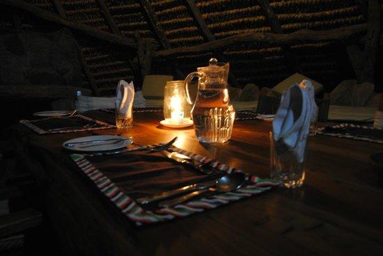Il Ngwesi Lodge : Dinner at Il Ngwesi.