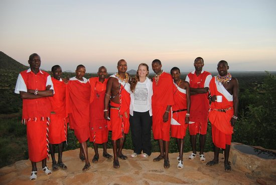 Il Ngwesi Lodge : The wonderful staff and the view from the common area.